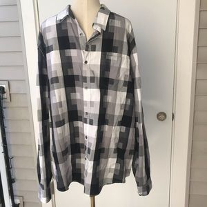 Guess Printed Black and White Button Down Slim Fit